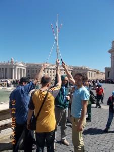 Bastoane albe in piata vatican